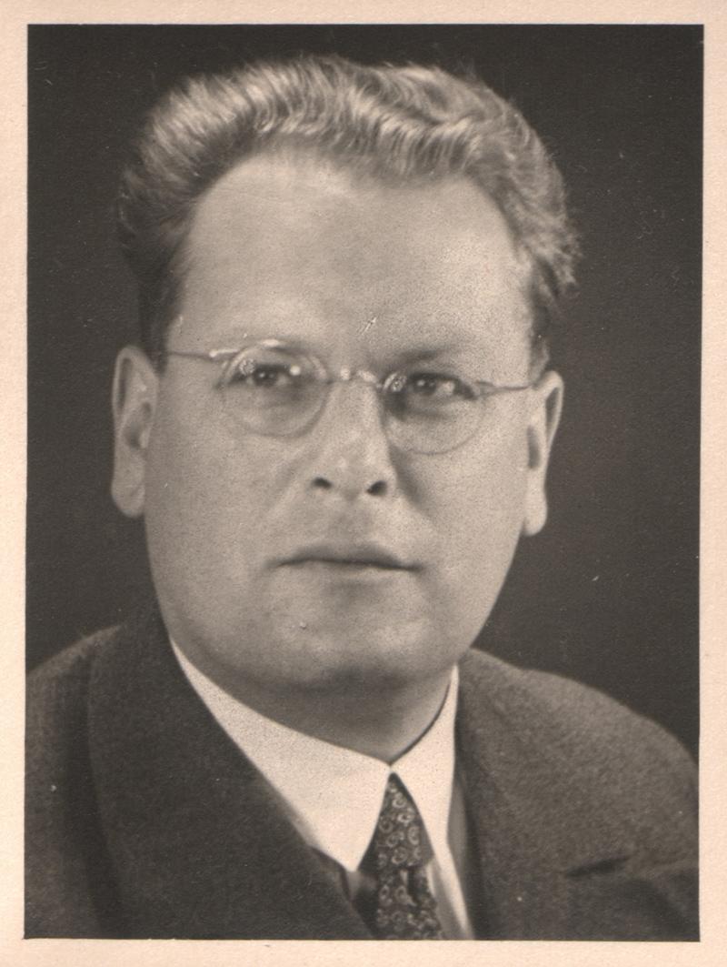 Hans v. V. Passbild, ca. 1940