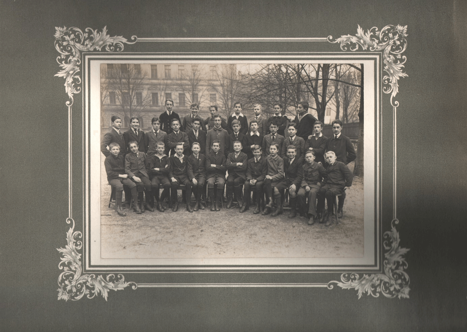 1919-1920 Klasse 6 b - Hans V.v.V. Mitte hinten